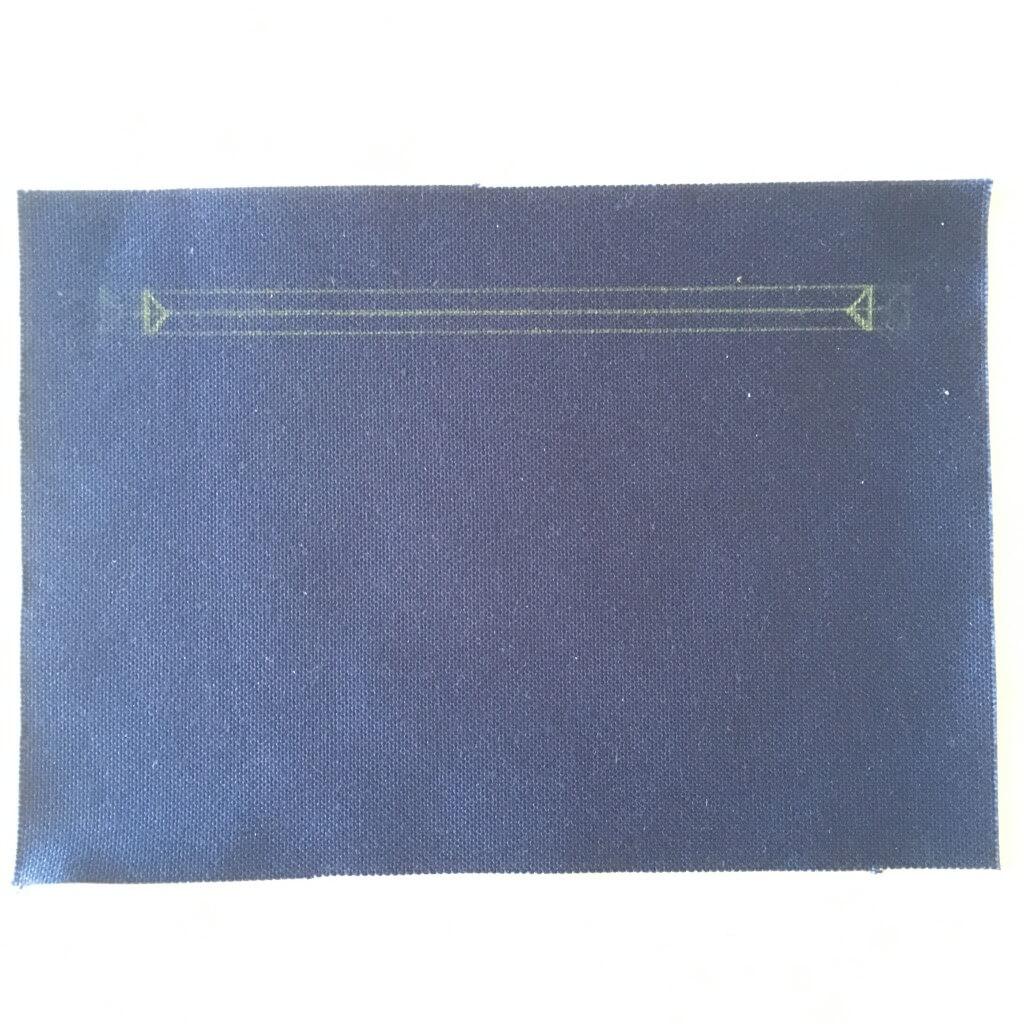 財布ポケット口のファスナー1