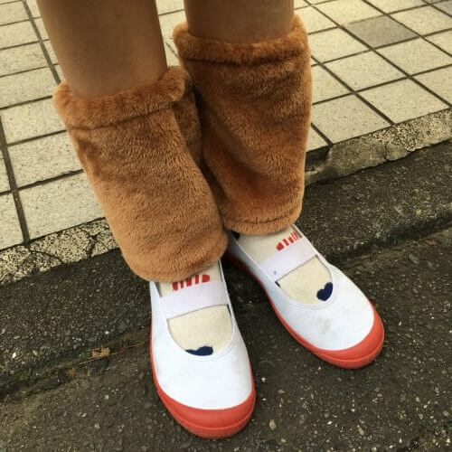 20191109ハロウィン衣装上履き赤