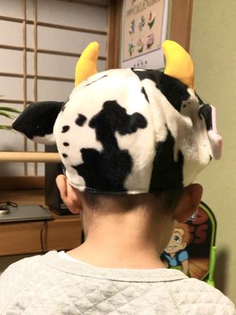 20201212牛さん帽子着画像2